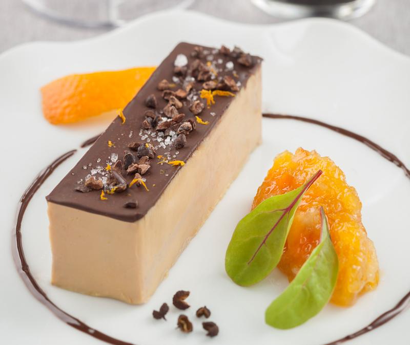 Foie gras de canard au chocolat et poivre Timut, marmelade de clémentines