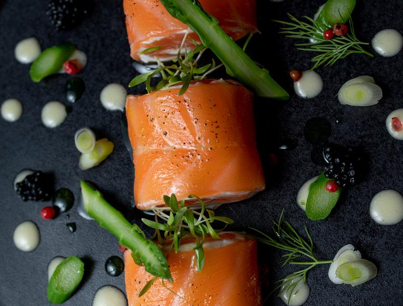 Duo de saumon au chèvre, émulsion au citron et huile d'olive