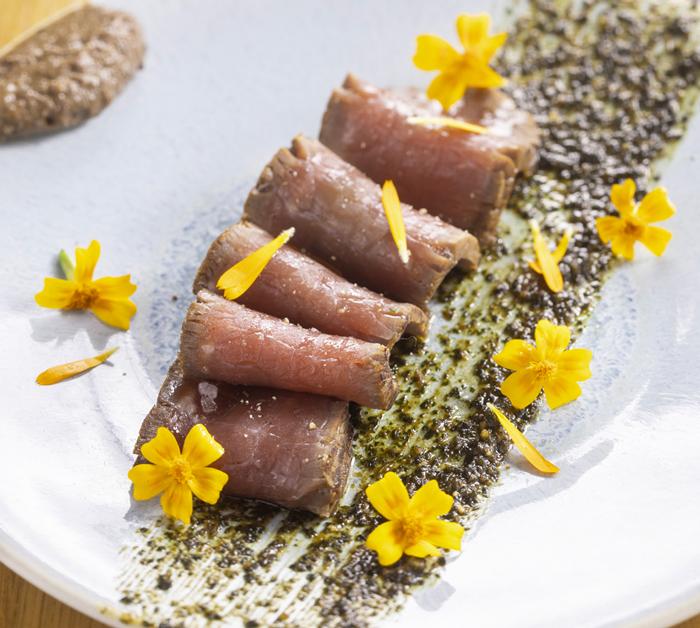 Bœuf de race Aubrac mariné Asia anchoïade et pesto menthe