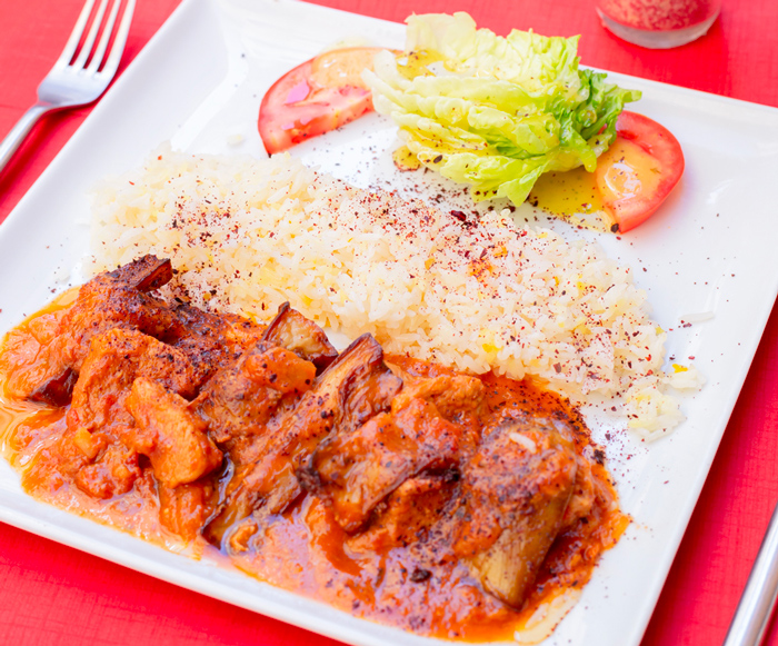 Tchelokhorechte Bademjounne (Fricassé de veau sauce aubergine)