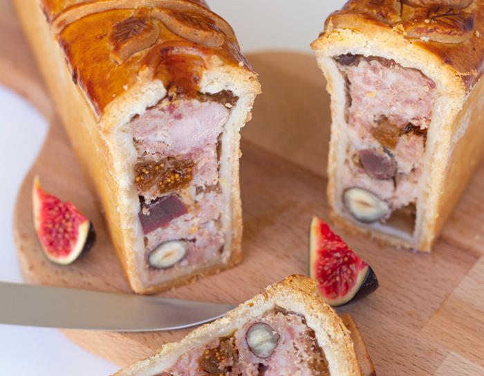 Mini pâté en croûte au foie gras, figues et marrons