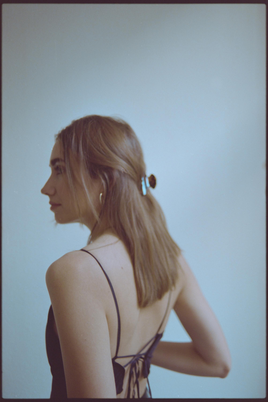 Teresa Müller Portrait von hinten