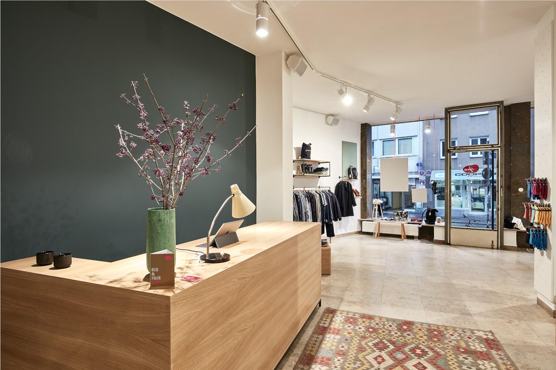 glore - für globally responsible fashion - ist ein Green Concept Store, für Leute, die nicht nur für ihr Aussehen Verantwortung übernehmen wollen.
