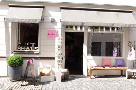 Wohn-und Modeaccessoires im EdelEthnoStil, fashion unbedingt slow, alles sehr bunt, du fühlst dich hier wie im Urlaub!