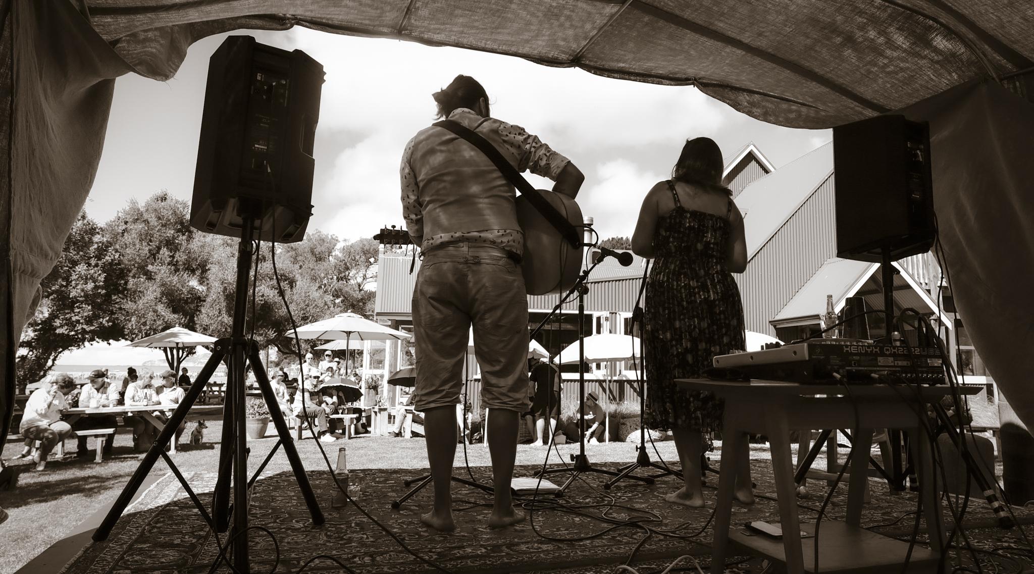 live music cafe Napier