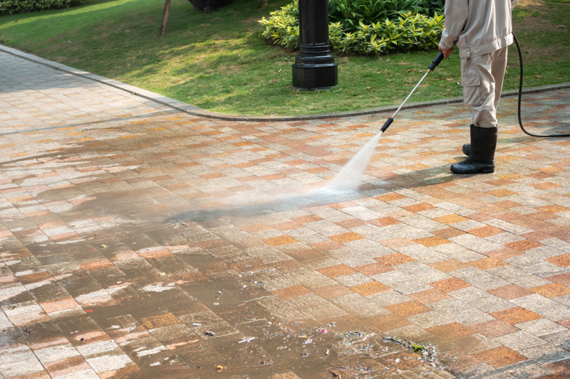 driveway pavers being power washed in cheboygan
