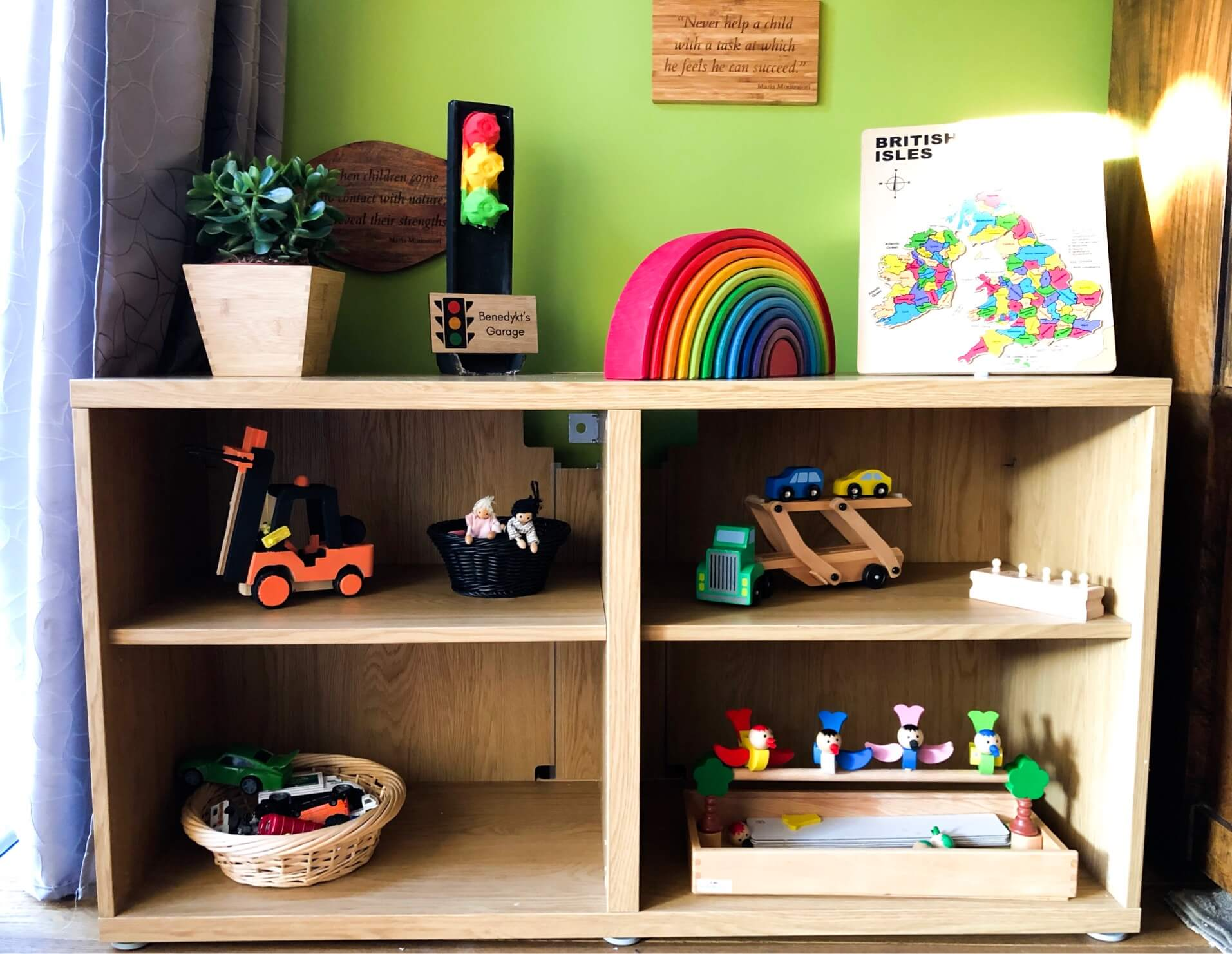 How to organise and display your Montessori Learning Materials