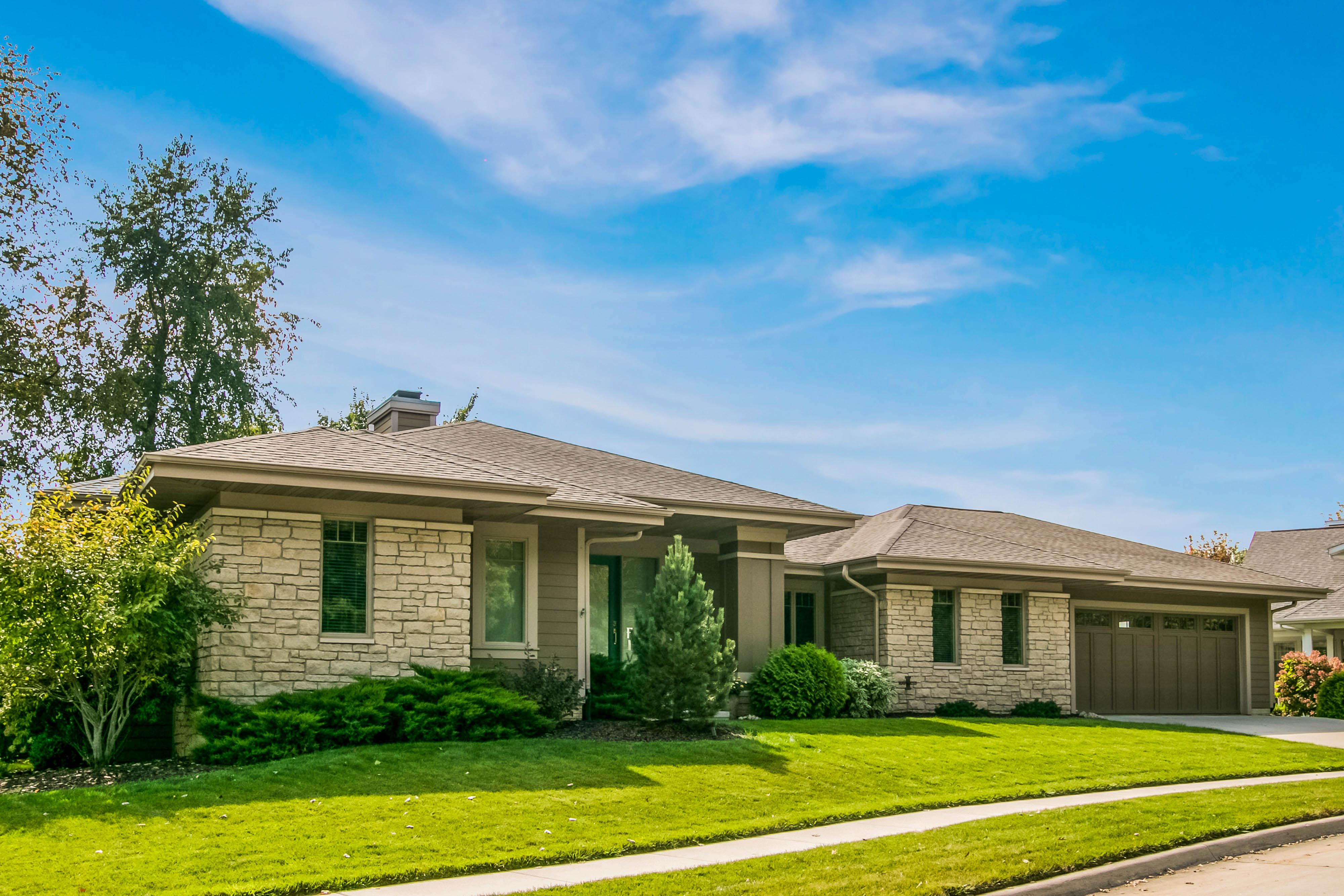 5 White Oak exterior photo