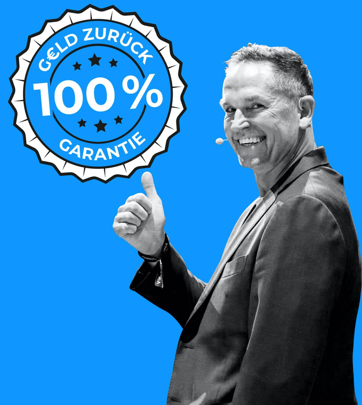 Leo Gärtner zeigt Daumen hoch