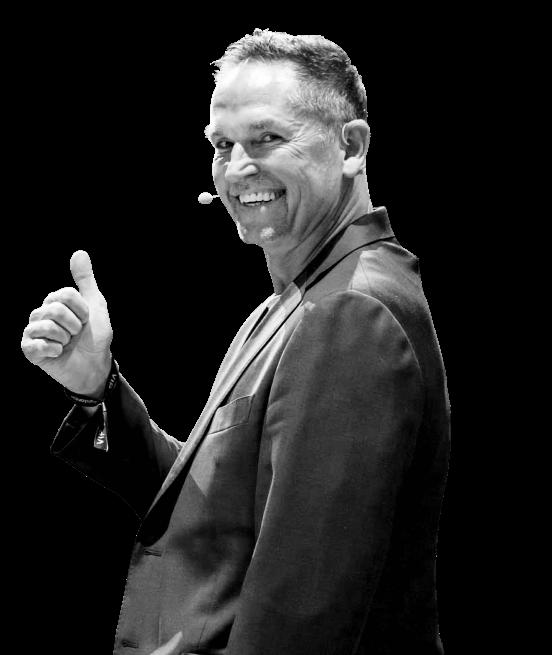 Leo Gärtner macht Daumen-hoch-Geste
