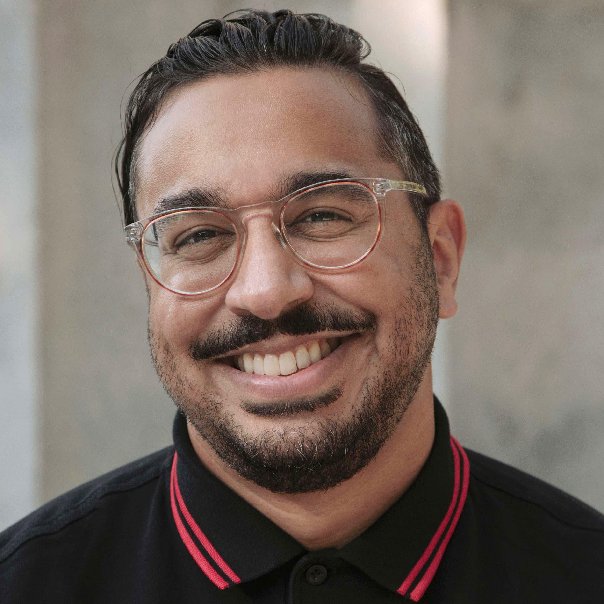 Headshot of Mesh Lakhani