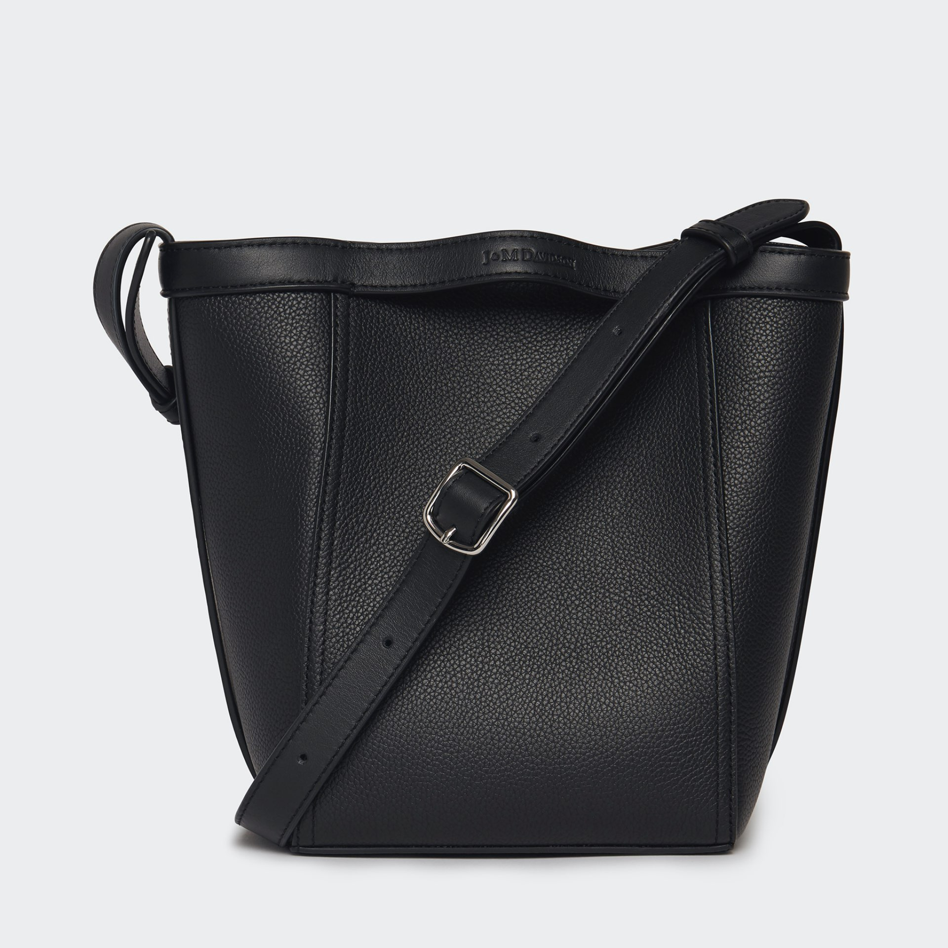 J&M Leather bag in black with thin belt