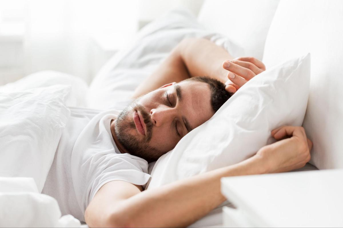 best time to wake up: Man sleeping