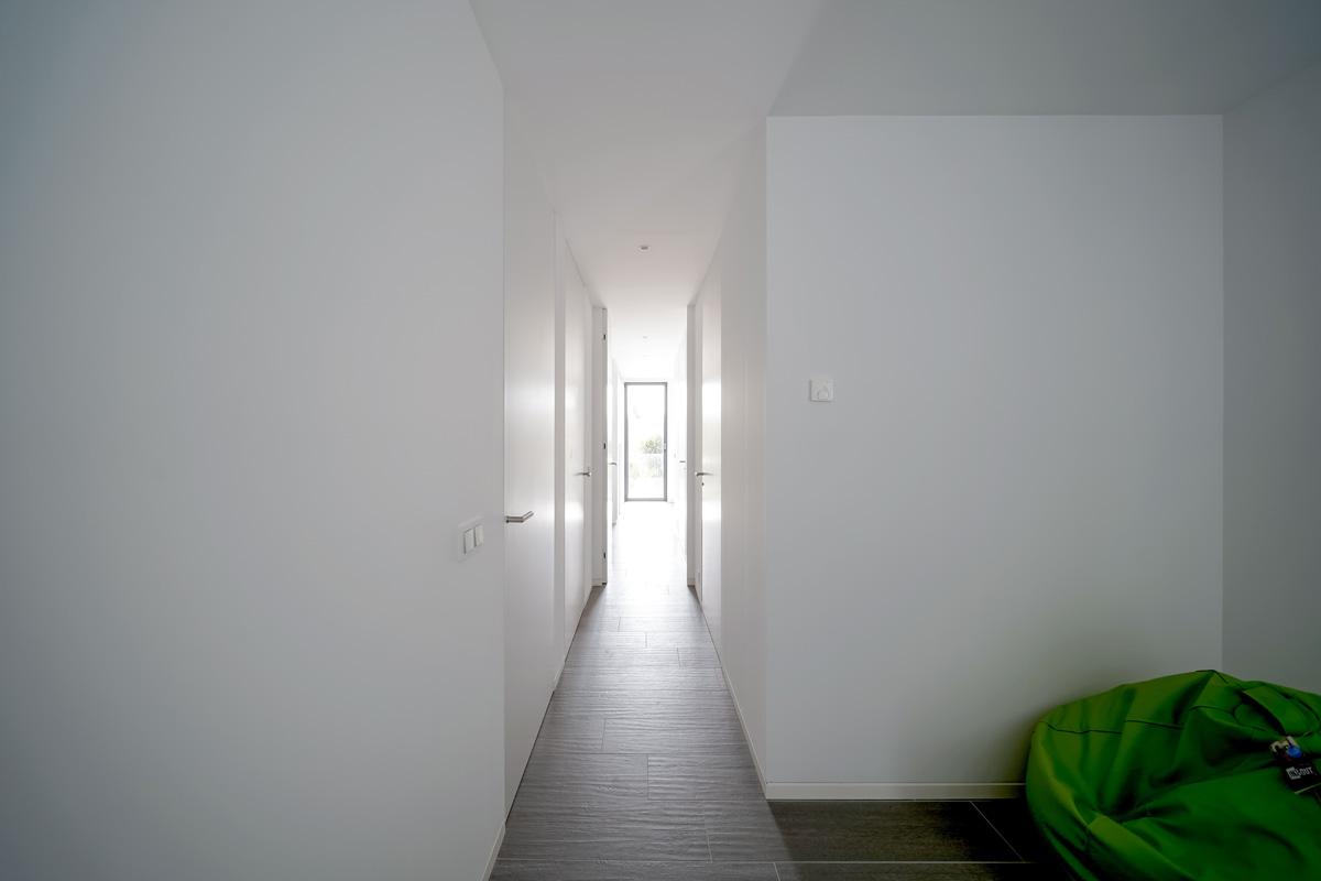 Pasillo de acceso a vivienda
