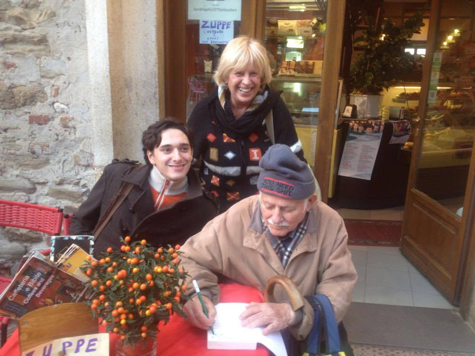 Let us not forget local Panicale celebrity Fernando, seen here signing a book that was not his own for our own local celebrity, Marie-Lise.