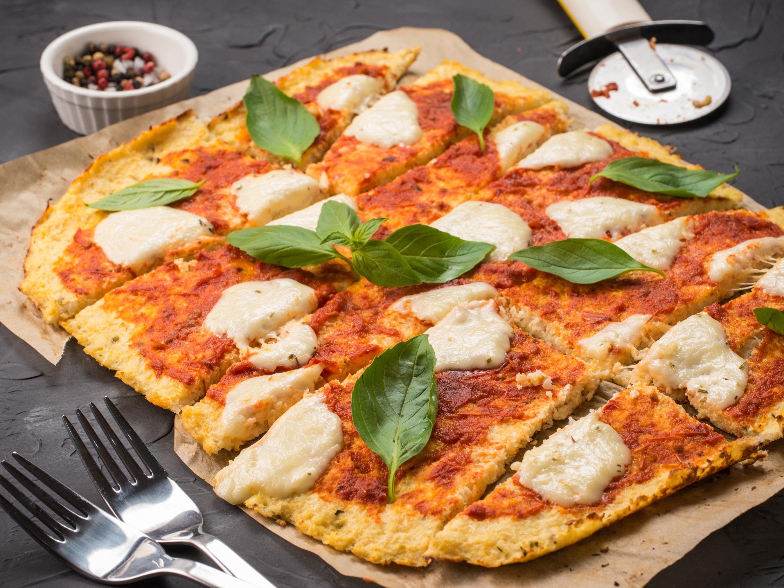 Homemade Cauliflower Pizza Crust with Mozzarella and Basil