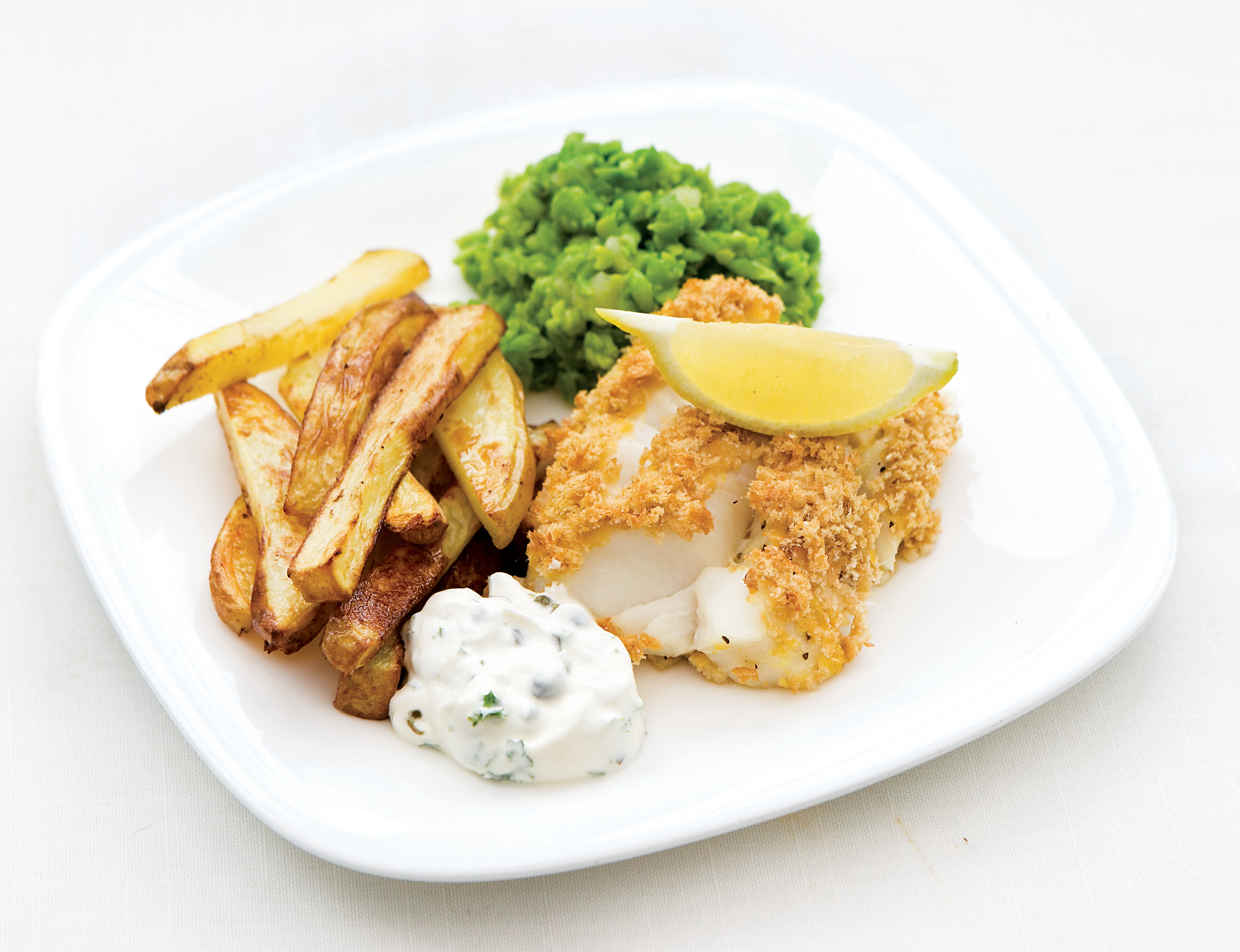 Cod and chips with tartare sauce