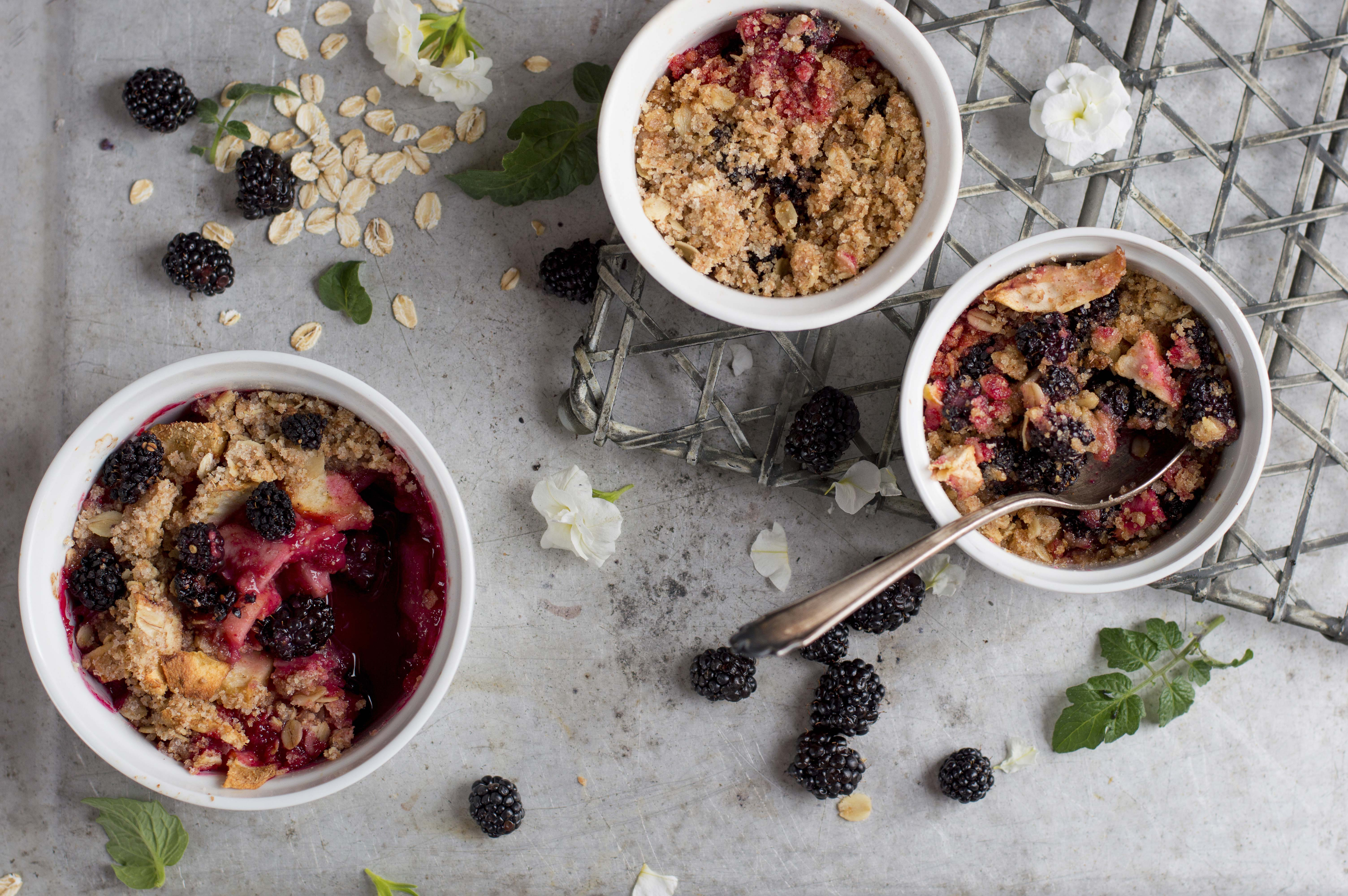 Apple and Blackberry Oat Crumble
