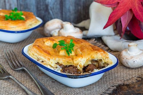 Steak, leek & mushroom pie