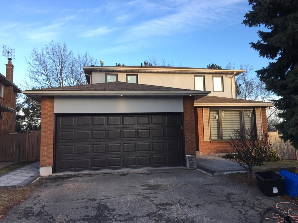 Garage Door Replacement in Oakville