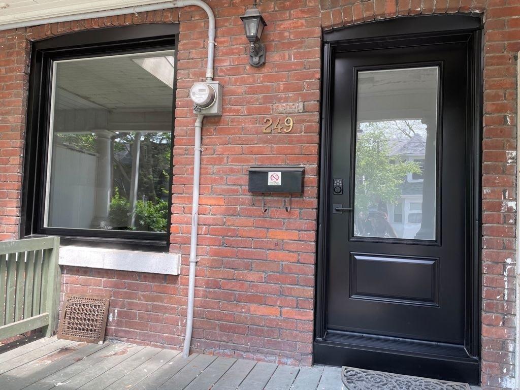 Window and door replacement in Toronto