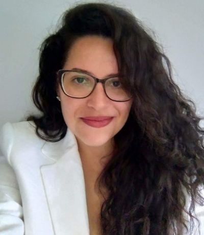 Dra. Priscila Aguiar Advogada
