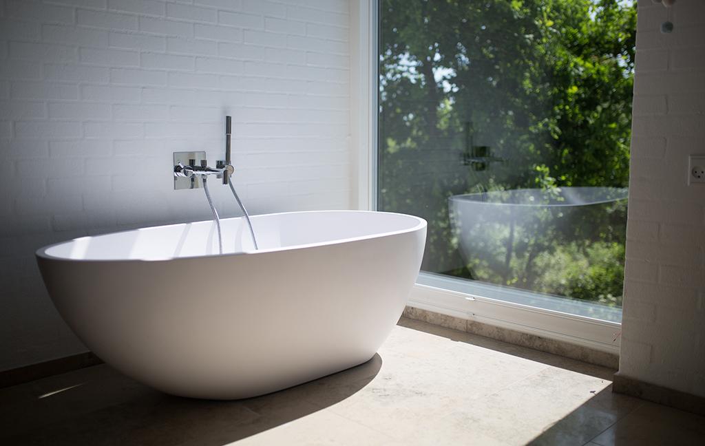 Nymålat badrum, våtrum med fin utsikt