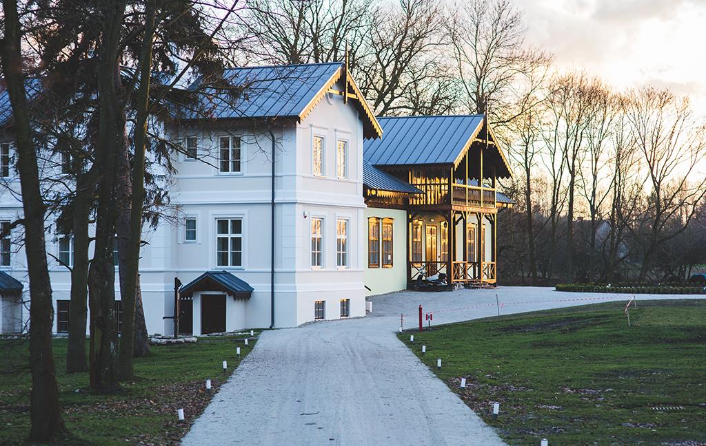 Nymålad fasad villa
