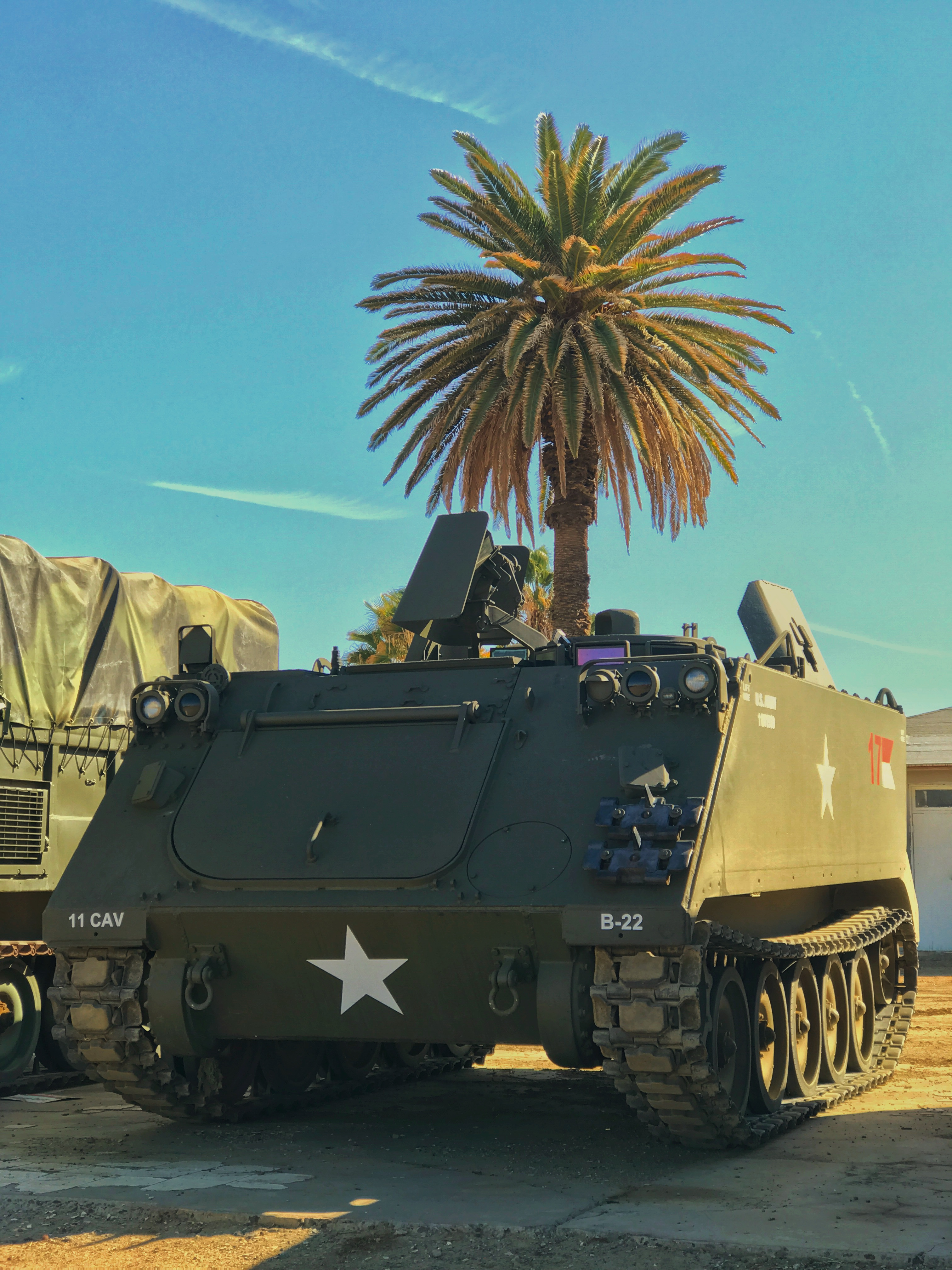 M548 and M113