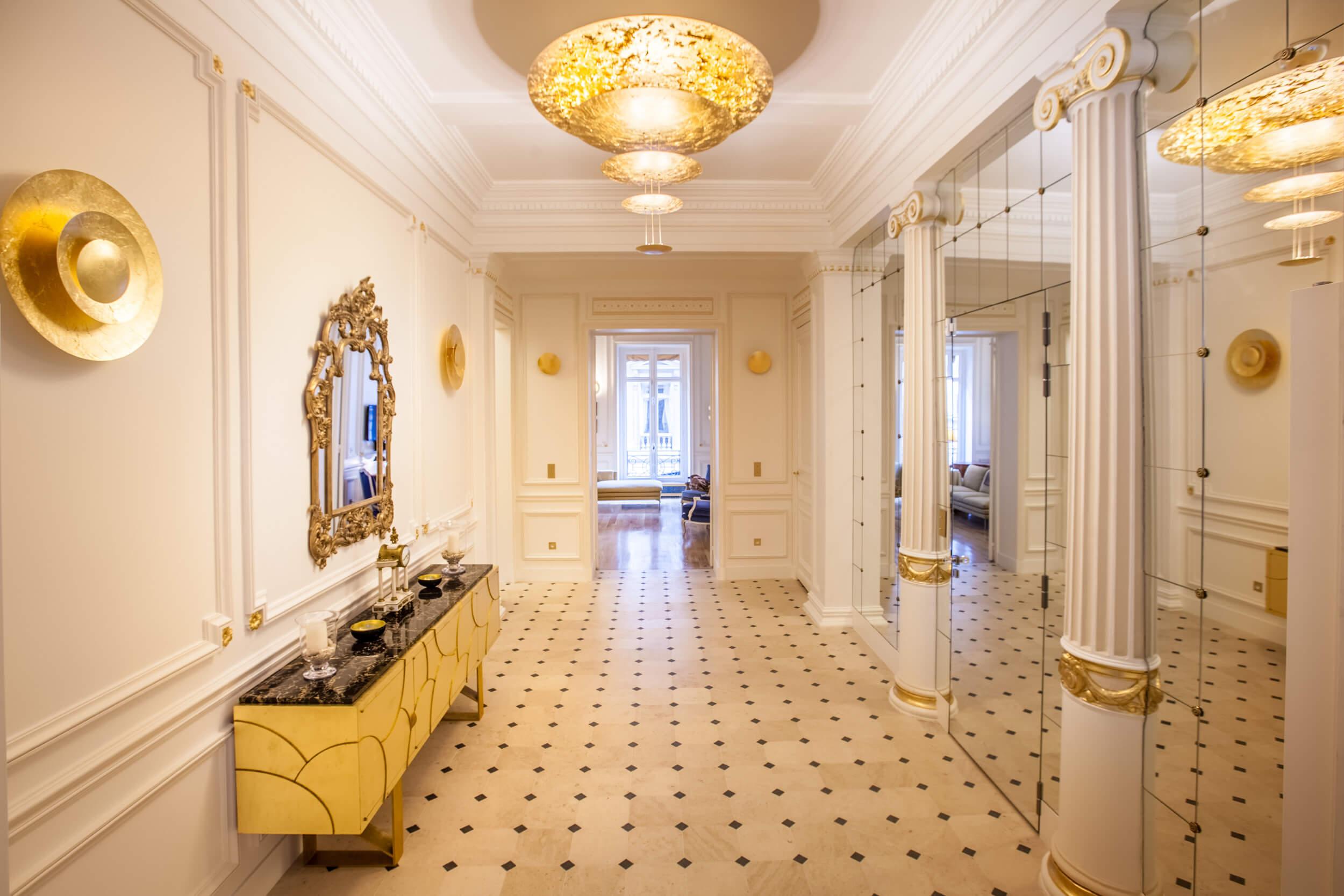 Lien vers appartement de 198 mètres carrés à Paris 8