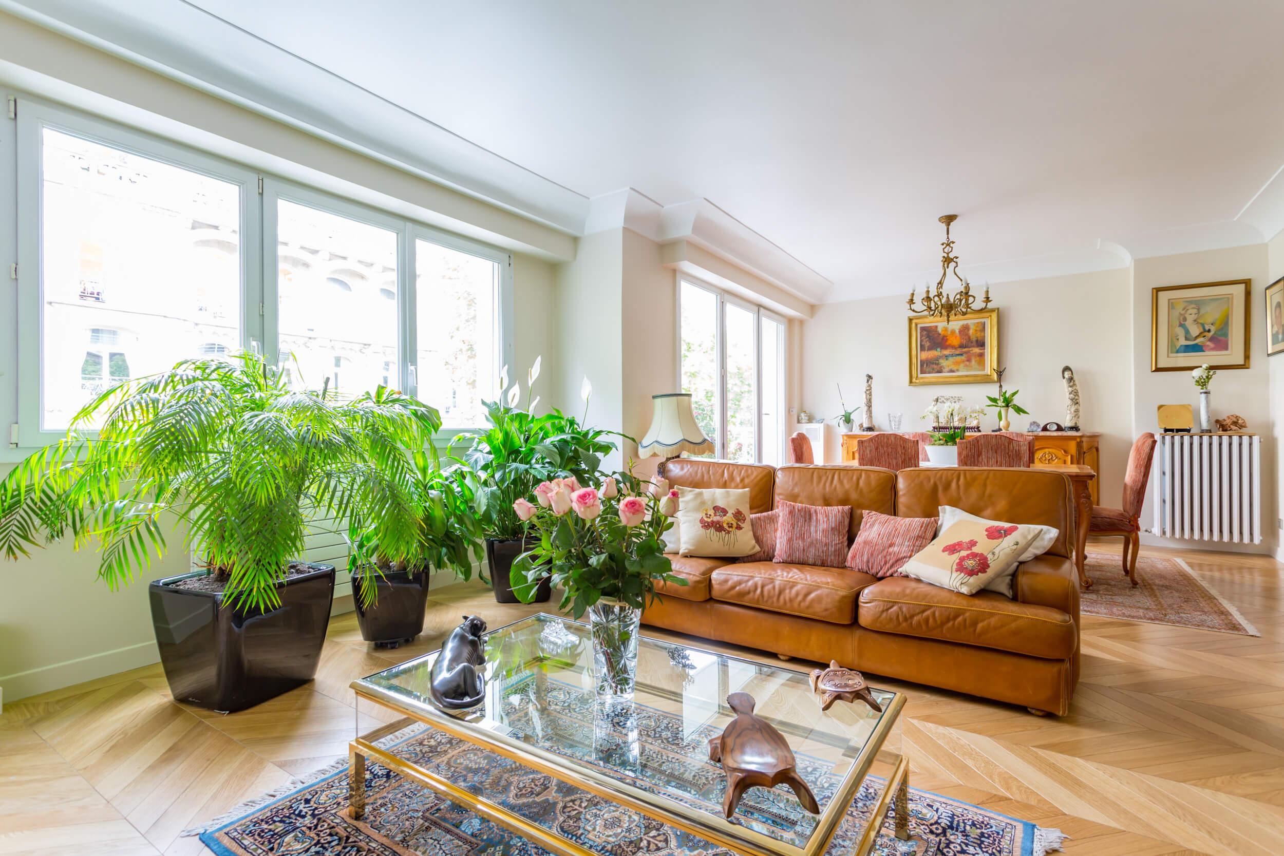 Lien vers appartement de 120 mètres carrés à Paris 16