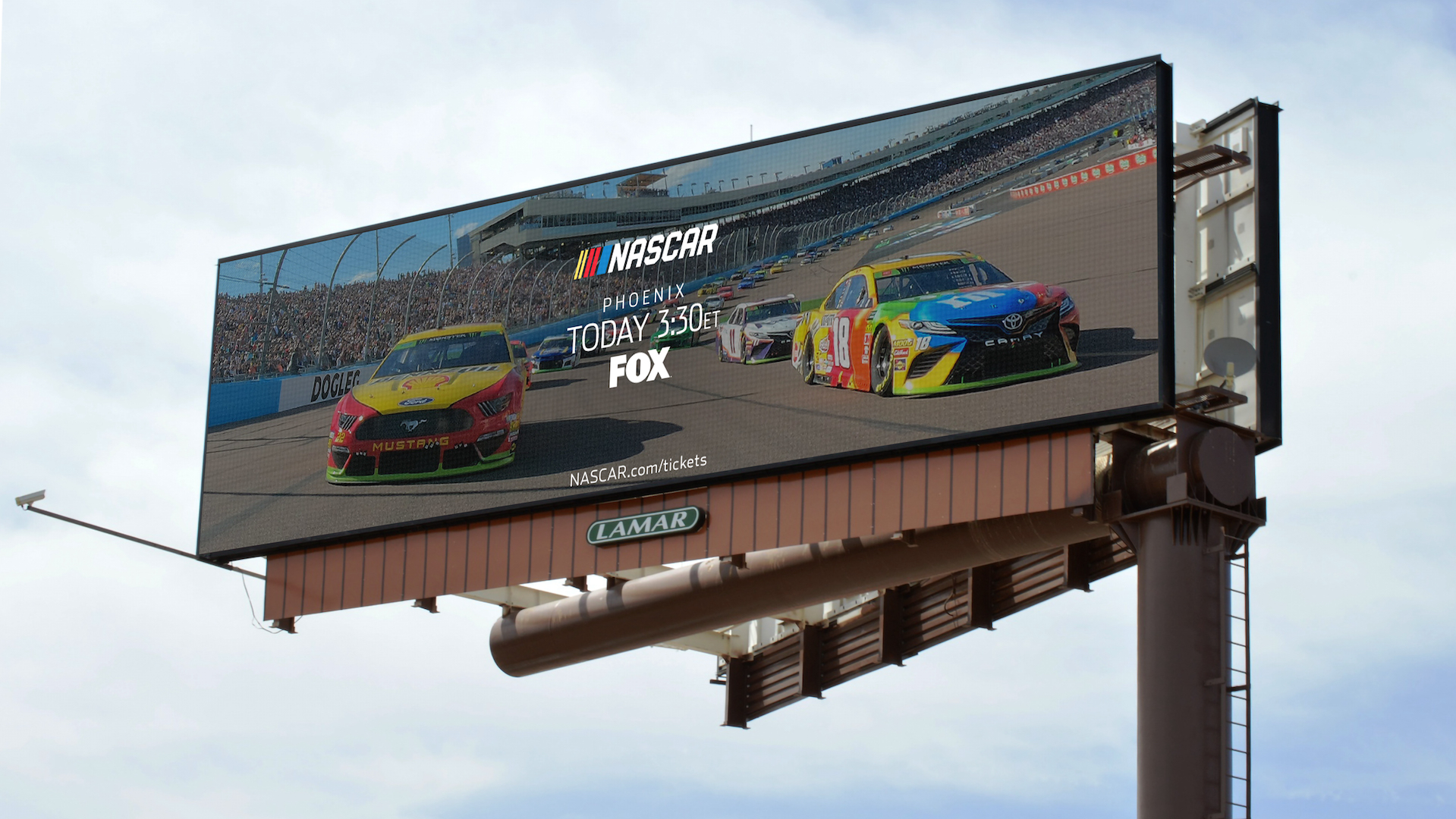Put the Pedal to the Metal with Programmatic DOOH | NASCAR Coverage & Case Study
