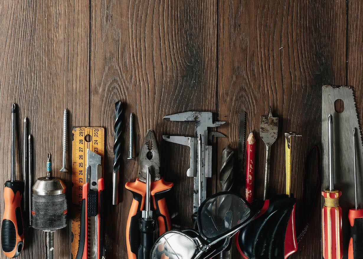 COMMSBLACK_Equipment&Commodities
