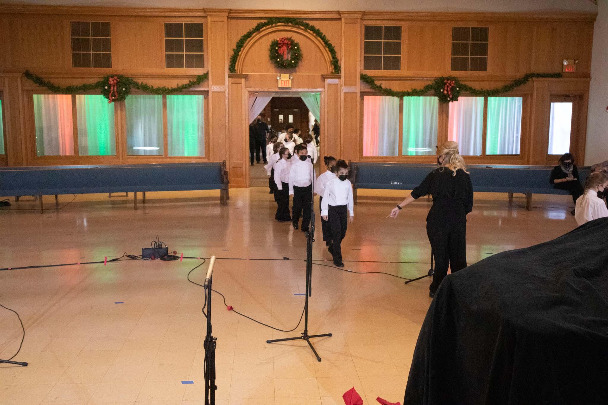 Children's Choir 1A coming in