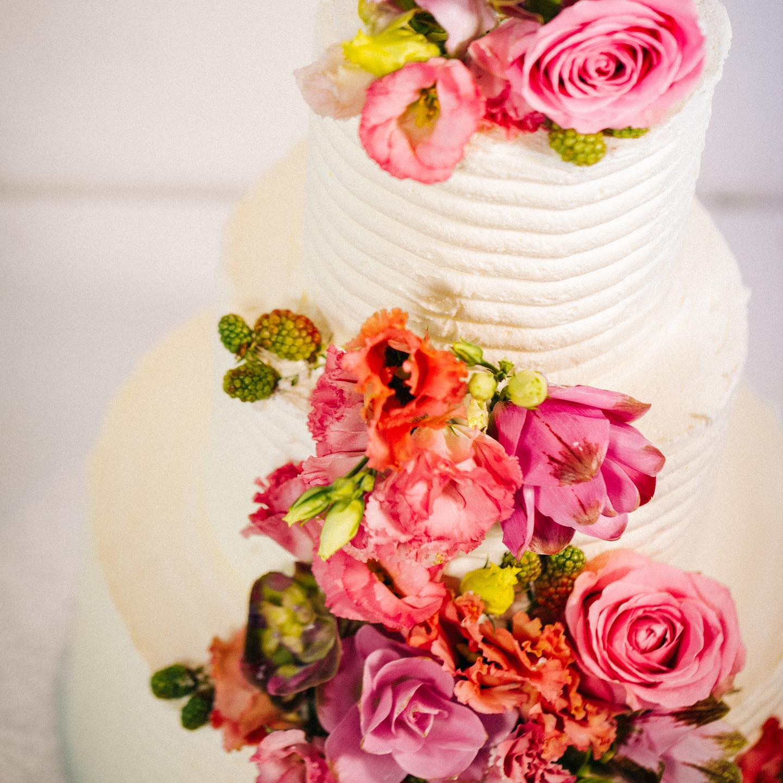 Una delle novità di quest'anno, torte con decorazioni floreali.
