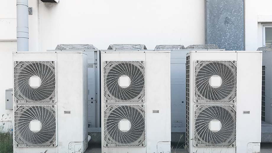 Commercial HVAC Systems outside a restaurant