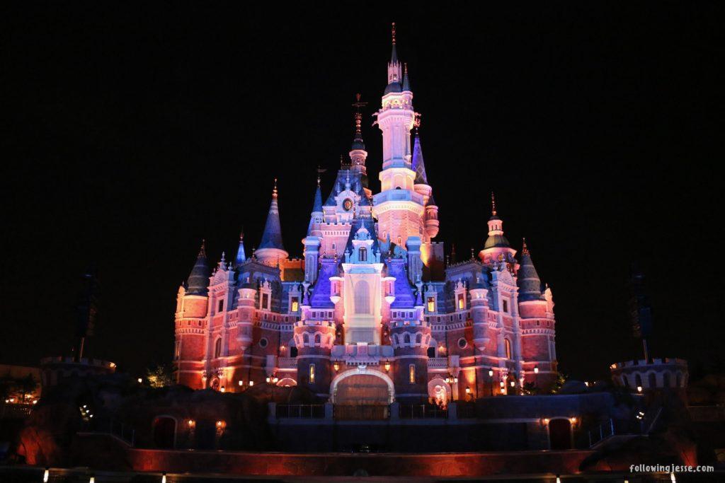 disneyland shanghai enchanted storybook castle