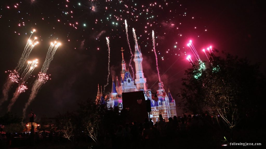 disney shanghai fireworks opening day