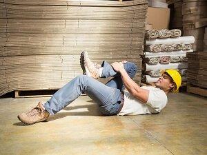 Worker Fell to Ground, Hurt Leg, Warehouse