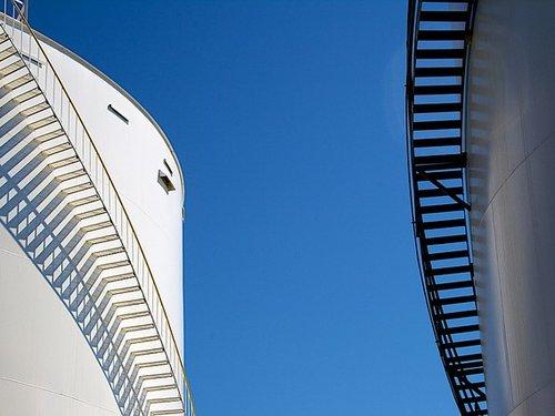 Stairways on outside of outdoor storage tanks