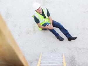 Construction Worker Fell Off Ladder, Hurt Knee