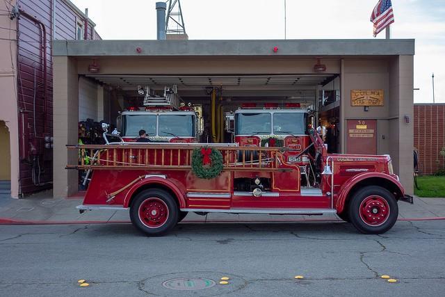 丁度ハロウィンだったので、クラシカルな消防車が!