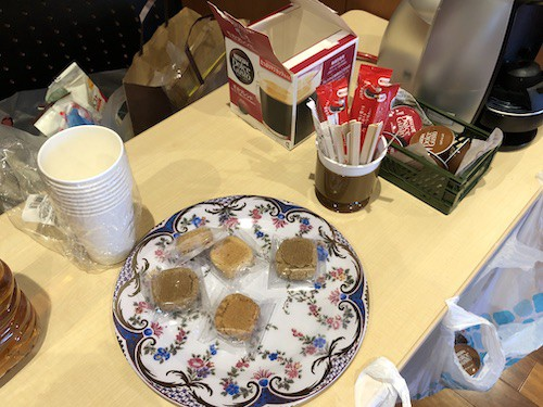 お菓子やコーヒーも準備されてた