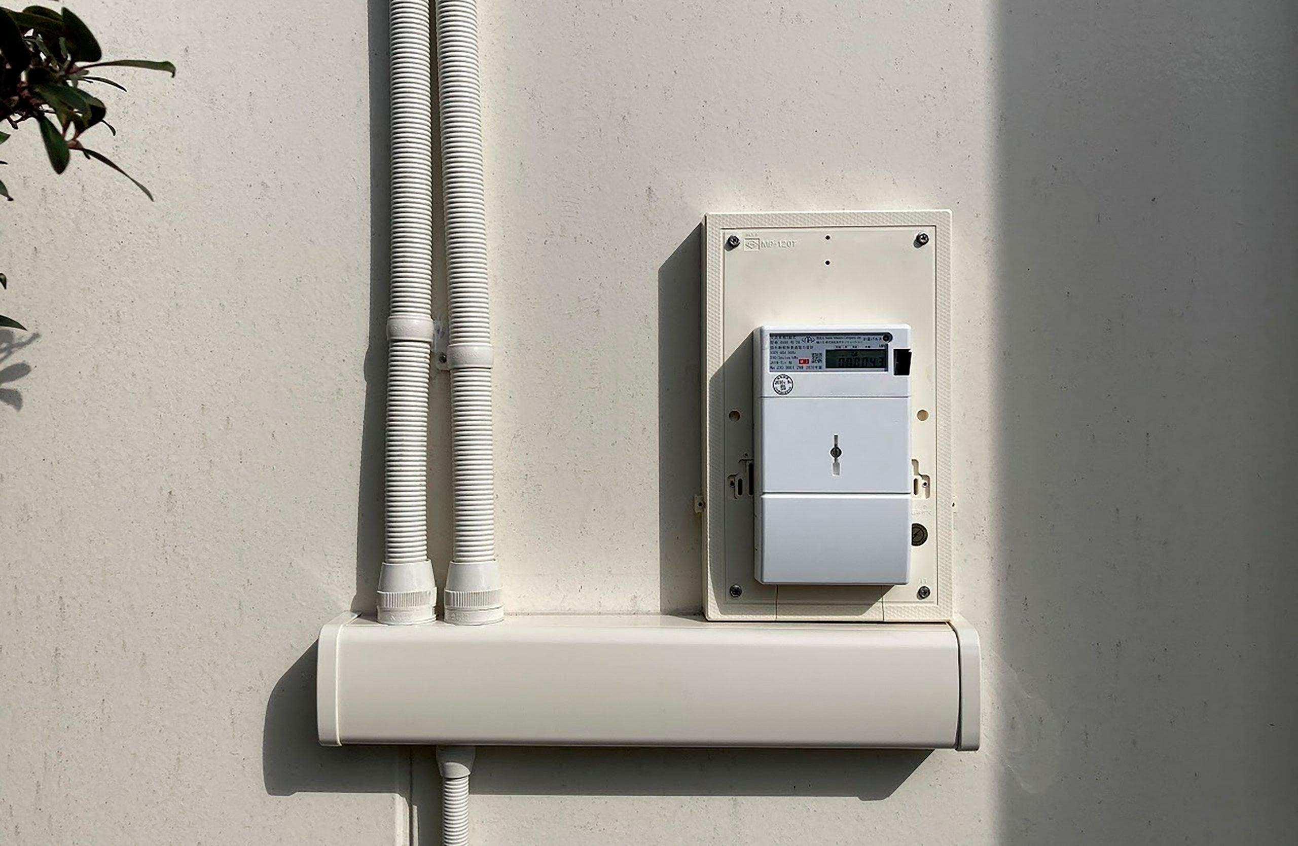 ドアのノブ中程度の精度で自動的に生成された説明