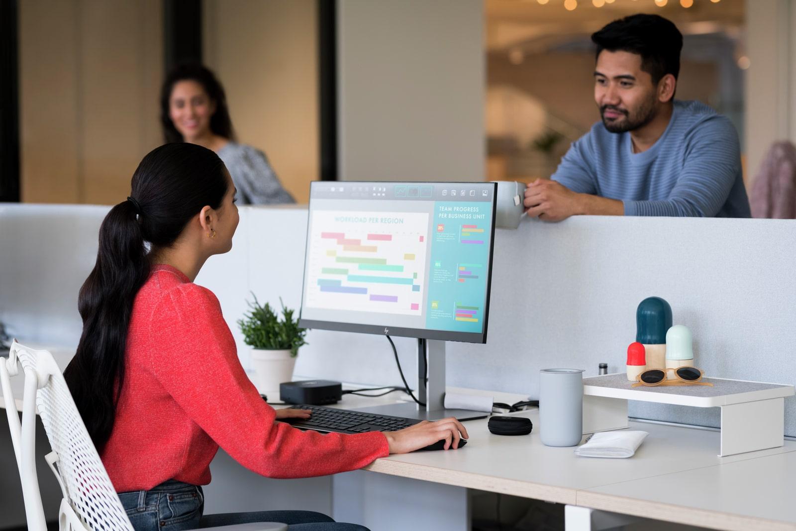 HP EliteDisplay E24 G4 in modern office