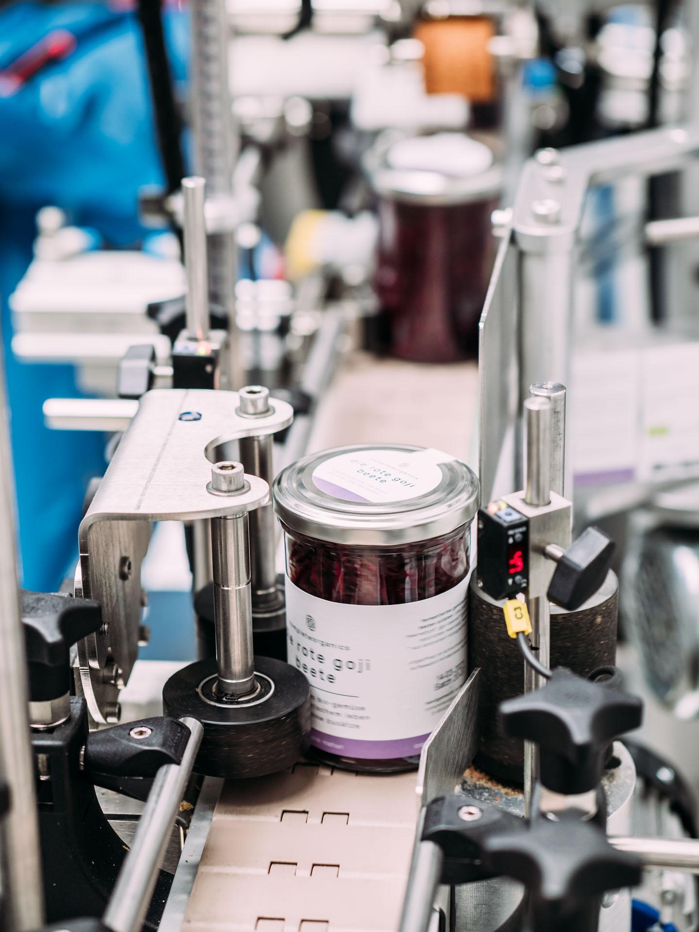 Completeorganics Manufaktur Glas Labeling