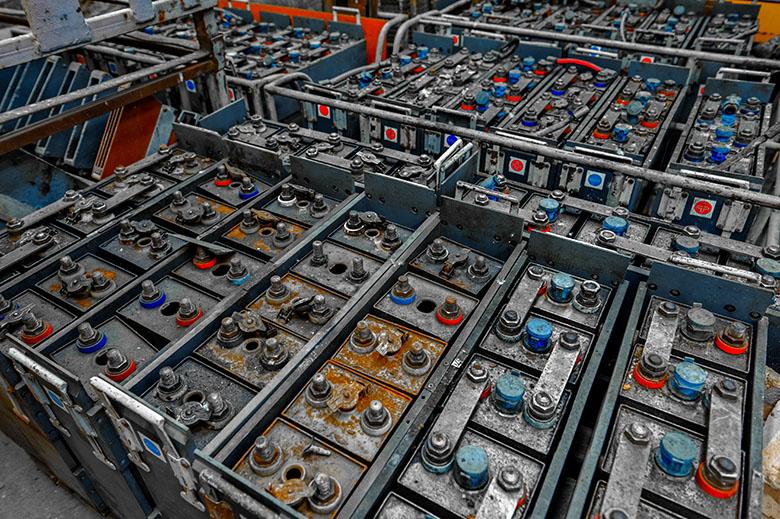 Proceso de reciclaje de baterías industriales