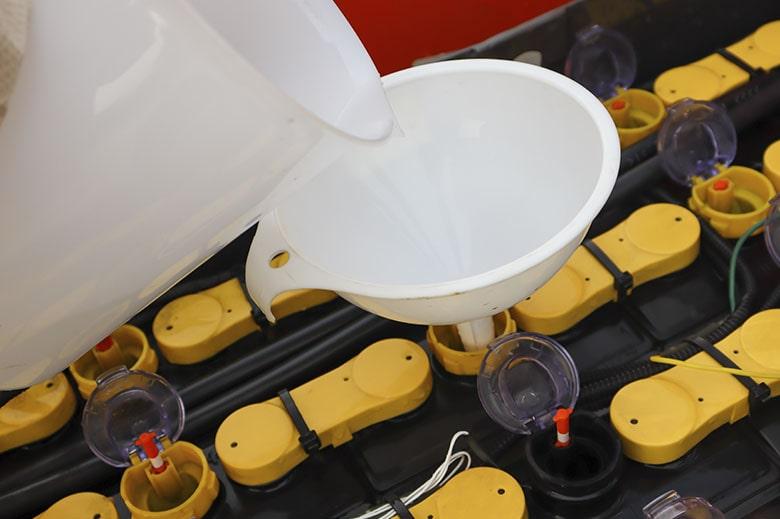 Recomendaciones para la adición de agua en tus baterías industriales