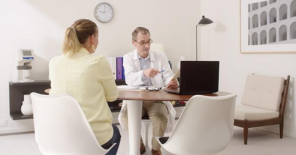 """"""" Un outil simple et souple : Après quelques explications par notre secrétaire, même les patients âgés s'y mettent. L'équipe Curecall est à l'écoute et nous avons été très bien accompagnés pour personnaliser nos protocoles de suivi. Un service que je recommande chaudement pour gagner du temps et valoriser son expertise.Mes patients sont contents et moi aussi. Merci Curecall !"""