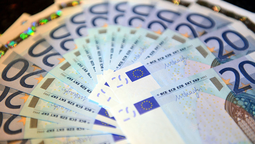 FOREX_euroclimbs-dollarslips_FXPIG